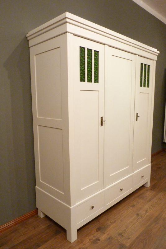 schrank555 antike schr nke berlin dreit riger jugendstil kleiderschrank fichte weiss lasiert. Black Bedroom Furniture Sets. Home Design Ideas